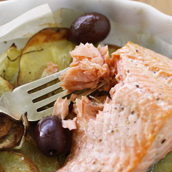 Salmon With Fennel Baked In Parchment Recipe — Dishmaps
