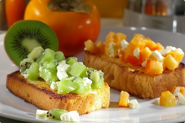 Vanilla Sponge Persimmon, Feta Bruschetta and Kiwifruit, Feta Bruschetta