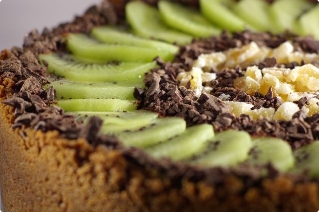 Baked Gingernut Cheesecake with Kiwifruit